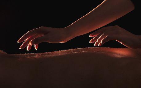 Tantra masáž v úplné tmě či za svitu svíčky