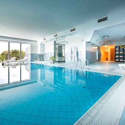 Maxmilian Lifestyle Resort****, Romantický pobyt v zámeckém areálu s polopenzí a wellness