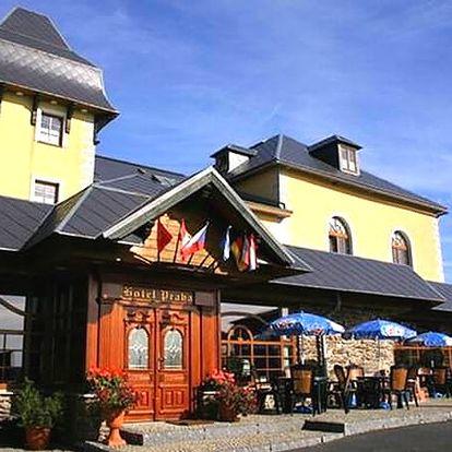 Podzimní wellness pobyt v 3*hotelu Praha na Božím Daru, pro dva a 1 dítě. bazén, whirlpool, sauna.