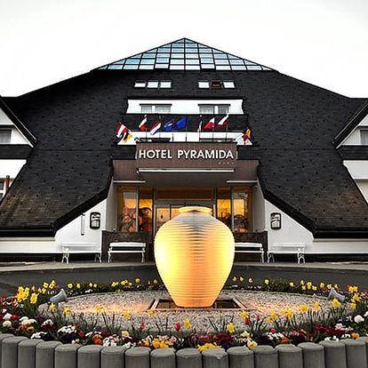 Lázeňský hotel Pyramida****, Moderní 4* hotel s polopenzí, bazénem a vyhlídkovou kavárnou