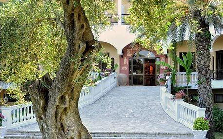 Řecko - Korfu na 8 dní, polopenze nebo snídaně s dopravou letecky z Prahy