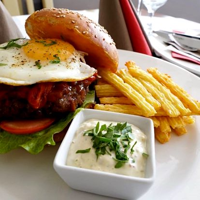 Šťavnatý burger z kvalitního hovězího masa