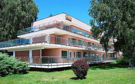 3 až 4denní wellness pobyt pro 2 s bazénem, masáží a saunou v hotelu Flóra na Slovensku