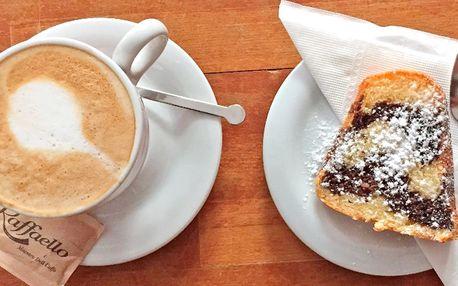 Káva a bábovka ve studijní kavárně u Václaváku
