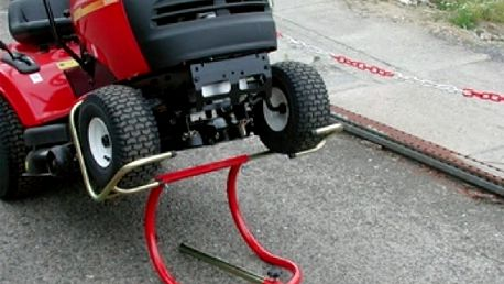 Kolébkový zvedák zahradních traktorů univerzální XLIFT 200
