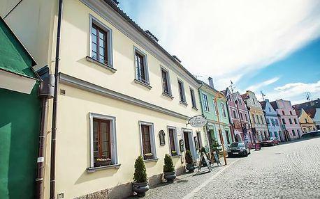 Relax na jihu Čech v 4* hotelu s polopenzí a vstupem do lázní + láhev vína zdarma
