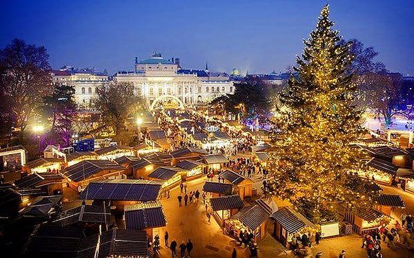Adventní zájezd pro 1 osobu na vánoční trhy do Vídně s nákupy v Primarku