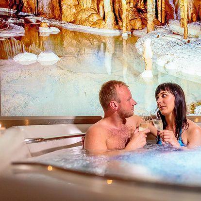 Romantický wellness pobyt v Moravském krasu na 3 dny s polopenzí + vstupenky + degustační sada 4 vín