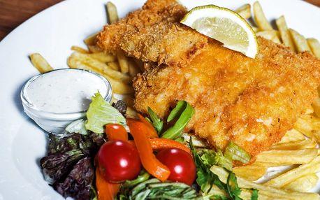 Křupavé fish and chips s hranolky v centru Brna