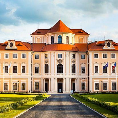 Zámecký hotel Liblice****, Historický 4* zámek s pokoji vybavenými historickým nábytkem