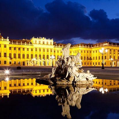 Adventní trhy u zámku Schönbrunn a soutěsky Johannesbachklamm