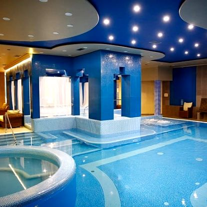 Golden Ball Club Hotel Wellness & SPA ****, Hotel ve viktoriánském stylu s wellness a polopenzí