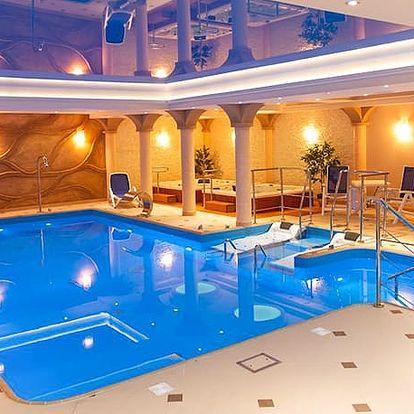 Hotel Adam & Spa***, 3* hotel s polopenzí a neomezeným vstupem do wellness s bazénem u krásných Stolových hor