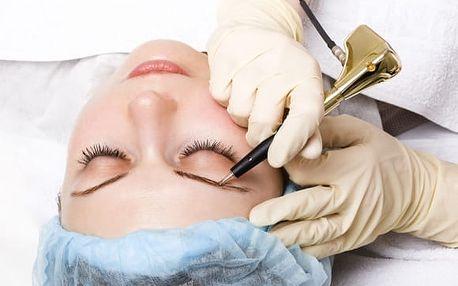 Permanentní make-up: obočí, linky či kontura rtů