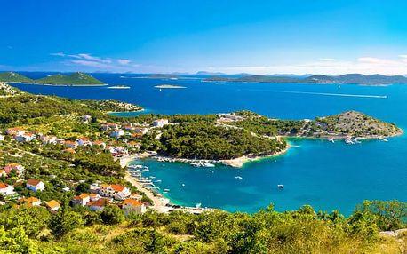 Hotel Laguna****, Středomořský relax s polopenzí přímo u dalmatského moře