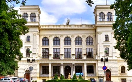 Hotel Clochard***, 3* hotel přímo v centru Chomutova 30 minut jízdy od lyžařského areálu Klínovec