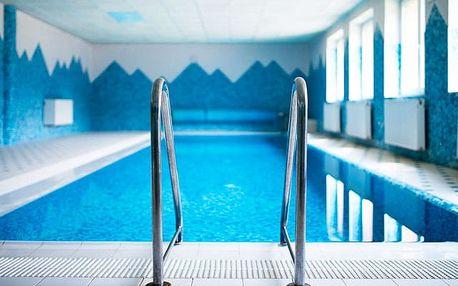 Horský hotel Podjavorník, Papradno, Slovensko - save 51%, Horský hotel s polopenzí a neomezeným vstupem do bazénu