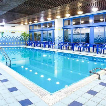 Luhačovice s polopenzí, bazénem a masáží