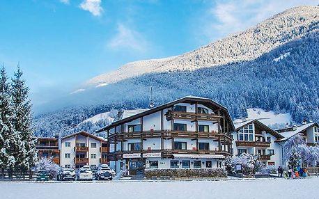 Zimní pohoda v italských Alpách s polopenzí, wellness a bazénem + sleva 50 % na saunu