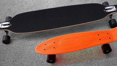 Svištěte městem na longboardu a penny boardu.