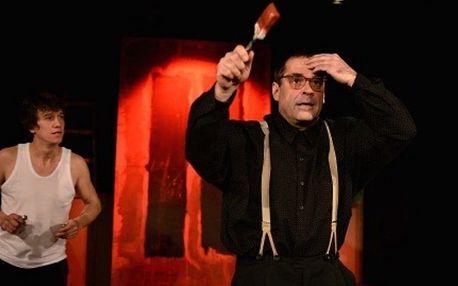 Divadelní představení Červená