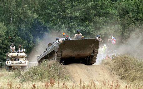 Jízda v obrněném transportéru BVP a paintball