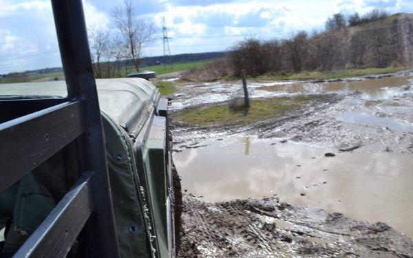Jízda v terénním auťáku Hummer H24