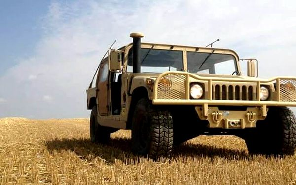 Jízda v terénním auťáku Hummer H25