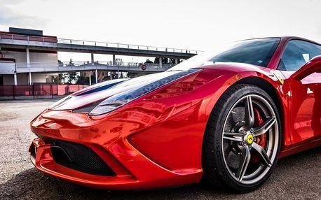 Jízda na silnici v Ferrari 458 Italia