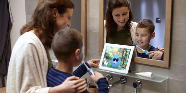 Zubní kartáček Philips Sonicare For Kids HX6322/04 bílý/zelený2