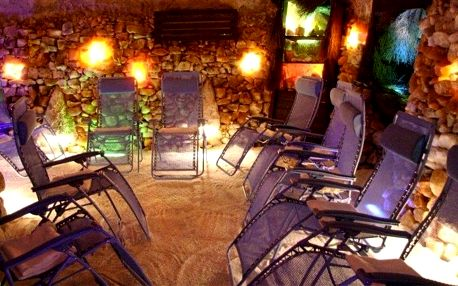 Vstup do solné jeskyně v Alžbětiných Lázních