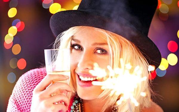 5denní silvestrovský pobyt v hotelu Jehla*** pro 1 osobu, živá hudba, láhev sektu, ohňostroj aj.