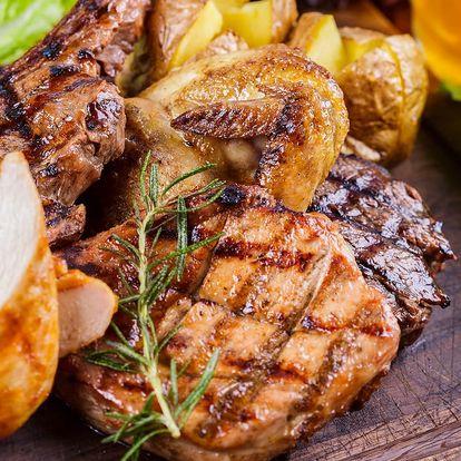 Steakový talíř s výběrem 3 omáček a 3 příloh