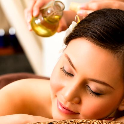 Relaxační olejová masáž včetně lávových kamenů