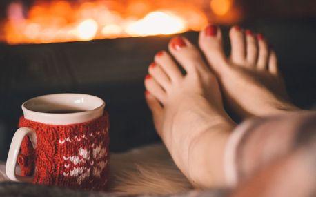 Voňavá pedikúra s aroma oleji a masáží nohou