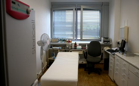 Liposukce včetně celkové anestezie, na výběr 5 partií. Povinný příplatek 5000 Kč na místě