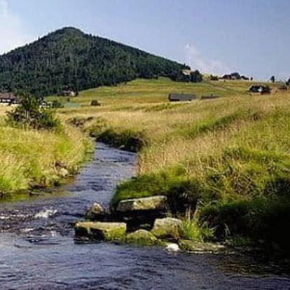 Jizerské hory s polopenzí, saunou a horskými koly pro dva nebo rodinu