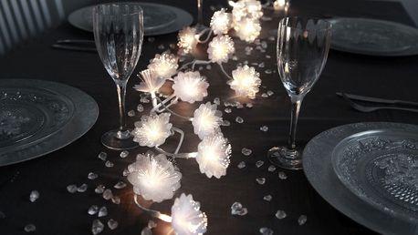 STAR TRADING Světelná girlanda s květinami, bílá barva, plast