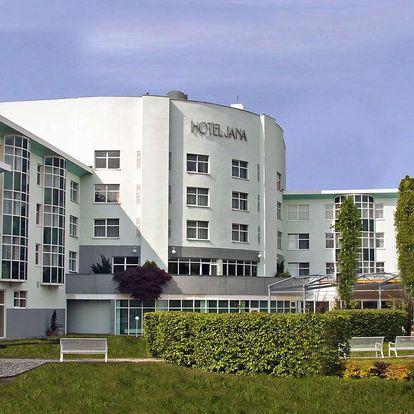 Hotel Jana**** v Přerově s polopenzí, wellness a bowlingem
