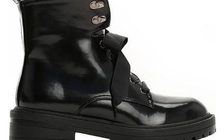 Dámské černé lesklé kotníkové boty Suzy 8314a