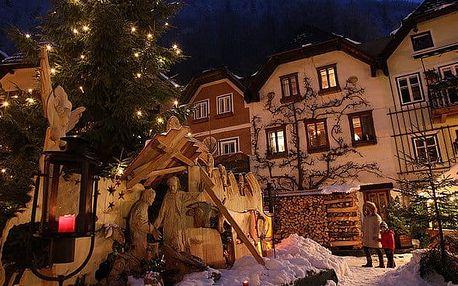 Halštatské jezero a vánoční trhy Solnohradska v Rakousku