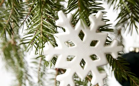 House Doctor Vánoční keramická ozdoba Snowflake, bílá barva, keramika
