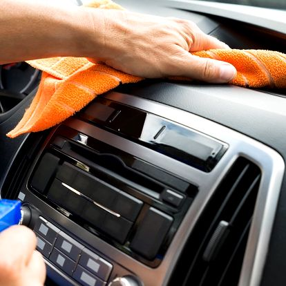 Pečlivé ruční mytí vašeho vozidla