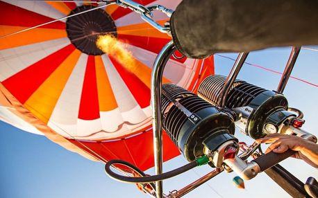 Let balónem pro dva