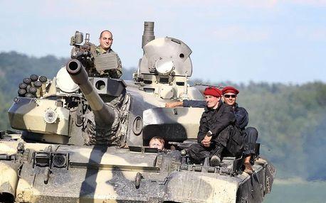 Jízda v bojovém tanku + střelba ze samopalu
