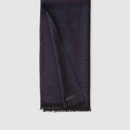 Calvin Klein temně modrý pánský šál All Over Logo Jac