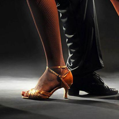 3 nebo 10 lekcí společenských tanců