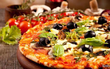 Uhaste hlad i žízeň: dvě křupavé pizzy a dva nápoje