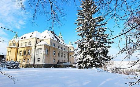 Kramářův zámek***, Rodinná dovolená v prvorepublikové vile v Jizerských horách