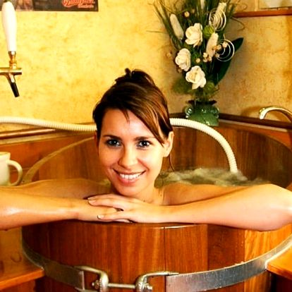 Relax pro dva: pivní koupel, sauna i bazén